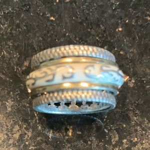 Spinner meditation ring size 7
